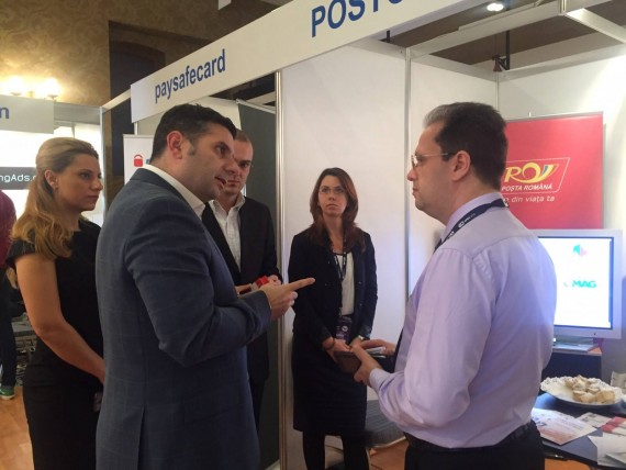 Stand PostCollect 1