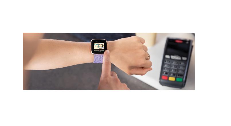 Fitbit Pay, disponibil in Romania, pentru clientii Bancii Transilvania (video)