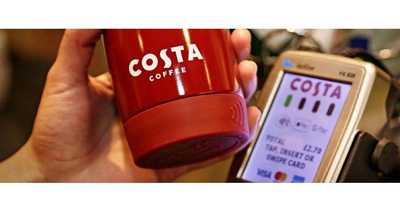 Marea Britanie: la Costa Coffee poti plati contactless, folosind cana de cafea