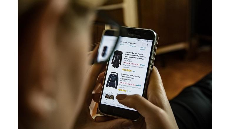 Romania, 2Performant: 68% tranzactii pe mobil in fashion, ianuarie-aprilie 2019