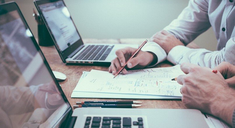 COVID-19: 53% dintre antreprenorii din Europa Centrala si de Est estimeaza scaderea veniturilor in urmatorul an (sondaj)