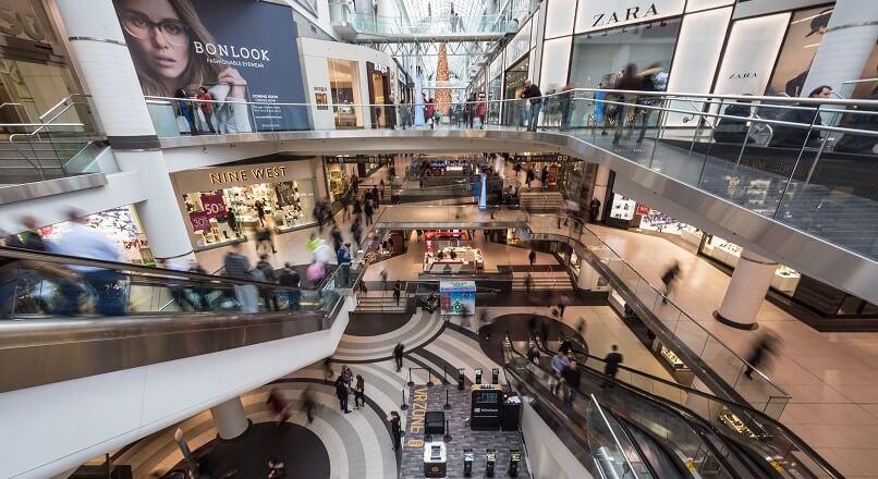 """Mogulul imobiliar Sam Zell: """"Retail-ul este un cutit in cadere"""""""