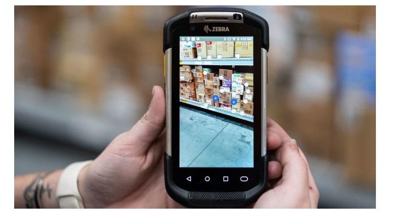 Walmart a transformat 4 magazine fizice in laboratoare e-commerce