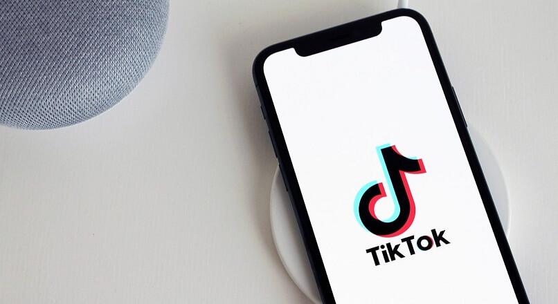 Cum revolutioneaza TikTok calatoria de cumparare