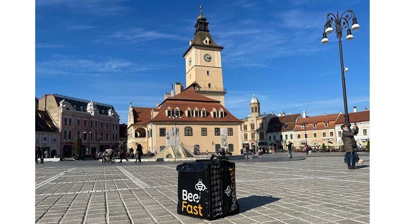 Start-up-ul de curierat ultra-rapid BeeFast se extinde in Brasov